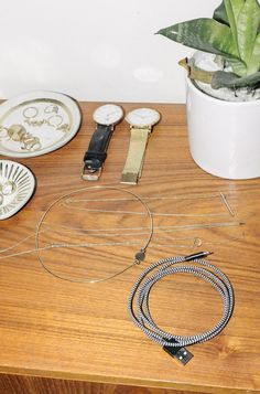 Travel Guide: Packing Advice from Jewelry Maker Jess Hannah  | Designer of the jewel line J. Hannah shows us her apartment and teaches us some valuable packing lessons