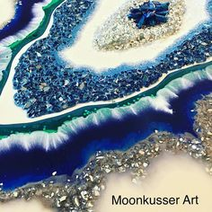 Giving geode a go. Caught myself holding my breath at times #geode #resin #resinart #moonkusserart #art #artforsale #fluidartwork… Resin Pour, Acrylic Art, Acrylic Resin, Acrylic Pouring, Flow Painting, Pour Painting, Agates, Epoxy Resin Art, Delicious Magazine