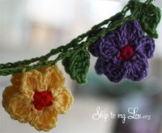 How to Make a Crochet Flower Garland Crochet Hook J hanging crochet garland