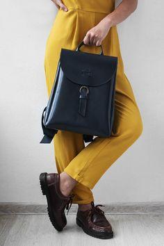Women's leather backpack (dark gray)