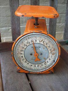 15 Old Kitchen, Kitchen Items, Vintage Kitchen, Retro Vintage, Vintage Items, Vintage Stuff, Orange Grey, Orange Color, Pyrex