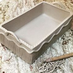 Small casserole dish. Taking this baby to Brazil next week it's for my mom. I hope she likes it! #pottery #handbuilt #handmadepottery #handbuiltpottery #kitchenaccessories #cooking #baking #chef #foodie #cookinglover #bakingdish #casseroledish #stonewarepottery #ceramics #ceramica #carvedpottery #carvedclay