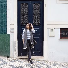 Good morning guys! Today I'm bringing you a quick outfit post shot in Figueira da Foz. Bom dia! Hoje trago-vos um pequeno post de um look fotografado na Figueira da Foz. The day was bright and sunny, and even though it was chilly, it still was around the 16C mark during the day – pretty warm! O dia estava cheio de sol e embora estivesse fresco ainda estavam uns bons 16C durante o dia – bastante quente! All of these factors meant only one thing: I had to wear my Breton stripe jumper from…