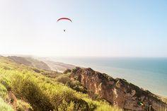 Parapente au dessus des falaises Normandes
