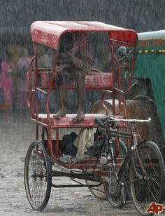 Oh I miss the cycle rickshaws from Jaipur. Wish how it would be to ride in one during monsoon. :)