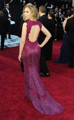 Red Carpet Scarlett Johansson. Oscars 2011. I always loved this Dolce  Gabbana dress.