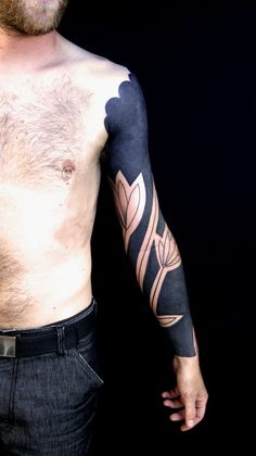 Not often a white with black background sleeve tattoo settles with me, but this one is so beautiful!