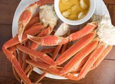 Le crabe des neiges québécois est un délice ultime de saison... Cette recette est tellement bonne, gastronomique, simple et vraiment facile à faire... Vous ne vous tromperez pas :) Crochet Dog Patterns, Seafood, Food Photography, Dressing, Simple, Apple Cider Vinegar, Crab Pasta, Sea Food, Seafood Dishes