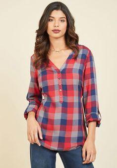 At Henley Rate Plaid Top in Red. Anything can happen while wearing this plaid top from our ModCloth namesake label, but one thing is certain - the compliments will pour in! Kurta Designs, Blouse Designs, Camisa Burberry, Fashion Vestidos, Linen Shirt Dress, Vintage Shorts, Short Tops, Cute Tops, I Dress