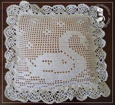 Visit the post for more. Diy Crochet Pillow, Débardeurs Au Crochet, Crochet Doily Rug, Crochet Cushion Cover, Crochet Towel, Crochet Carpet, Crochet Pillow Pattern, Filet Crochet Charts, Fillet Crochet