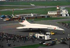 The day thousands turned out to see [British Airways], Concorde in Bournemouth. (From Bournemouth Echo) Concorde, Tupolev Tu 144, Bath Travel, Delta Wing, Air Machine, Gatwick Airport, Passenger Aircraft, British Airways, Arquitetura