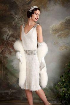 Vintage Dresses Eliza Jane Howell - beaded and embellished Art Deco inspired wedding dresses - Eliza Jane Howell - Elegant Art Deco Inspired Wedding Dresses Art Deco Wedding Dress, Vintage Inspired Wedding Dresses, Used Wedding Dresses, Art Deco Dress, Gatsby Style, Flapper Style, Flapper Wedding, 1920s Flapper, 1920s Fashion Gatsby