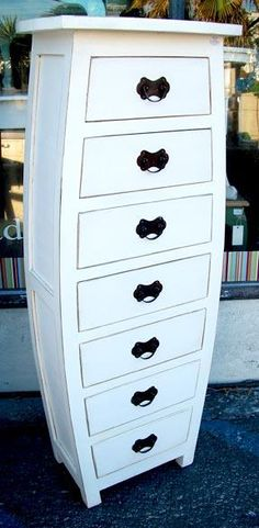 Tall chest of #drawers straight from Alice in Wonderland #nadeau