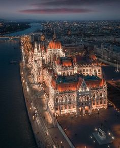 Budapest shortly after sunset [oc] - Architecture and Urban Living - Modern and Historical Buildings - City Planning - Travel Photography Destinations - Amazing Beautiful Places Beautiful Architecture, Beautiful Buildings, Architecture Design, Building Architecture, Budapest Travel, Budapest City, Destination Voyage, Travel Abroad, Vacation Travel