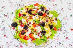 Vegetarischer Sommersalat - mit Feta & Brombeeren Fruit Salad, Feta, Summer Time, Blackberries, Fruit, Fruit Salads
