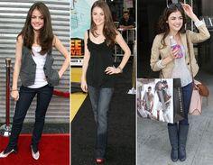 Lucy Hale  No dia a dia, Lucy adora usar jeans combinando com blusas de cores neutras. Ela também aposta em uma terceira peça como coletes e blazers para compor um look 'básico fashion'. A atriz não tira o saltinho e aposta em cores vivas como o vermelho e o metalizado.