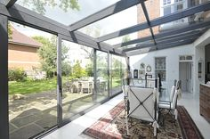 How To Build The Perfect Glass Extension? Extension Veranda, Conservatory Extension, House Extension Design, Glass Extension, Screened In Porch Diy, Screened Porch Decorating, Screened Porch Designs, Deck Decorating, Gazebo