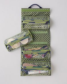 Keep your toiletries handy and organized with our Jayla Hanging Toiletry Bag.