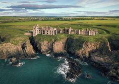 Welsh Castles, Scotland Castles, Scottish Castles, Castle Ruins, Old Stone, Coastal Art, Dark Souls, Cool Places To Visit, Seaside