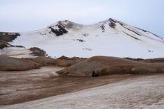 Crossing the surreal glaciated pass between Katmai Caldera and Trident Volcano. Katmai National Park Alaska [OC][5106x3404]
