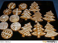 Měkké a voňavé vánoční perníčky Christmas Wrapping, Christmas 2017, Christmas Baking, Christmas Cookies, Christmas Ornaments, Mini Cupcakes, Biscotti, Cookie Decorating, Gingerbread Cookies