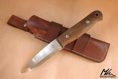 Leather sheath with multiple carry options for bushcraft knife. www.mkleathers.pl