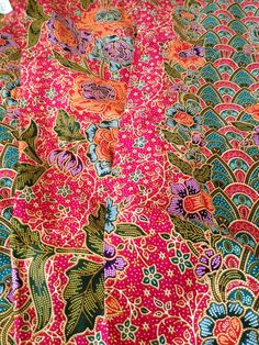Flower Shape, Flower Art, Malaysian Batik, Pattern Design, Print Design, Tropical Fashion, Pattern Paper, Ikat, Textile Art