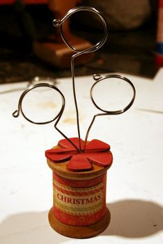 How to make wire picture holders