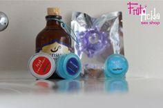 Kits Pocket Pleasure Kit para que lleves a todas partes y siempre estés preparado para el deseo y tu relación sea intensa.  *Kit Deseo: Incluye gel estrechante, crema para los pezones y lubricante anal. Y como obsequio un anillo Magic Tube. - *Kit Fantasía: Incluye gel multiorgamos, crema retardante y gel para los pezones. Y como obsequio incluye un lubricante en sachet Pocket.  - COP 19.000  #frutacida #sexshop #sexcolombia #kitpocket