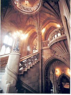 I've lived in Greater Manchester and used to go to the city centre every week, but I never knew about this! Main Old Staircase by The University of Manchester Library. Gothic Architecture, Beautiful Architecture, Beautiful Buildings, Architecture Design, Beautiful Places, Library Architecture, Classical Architecture, Manchester Library, University Of Manchester