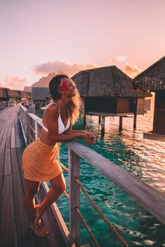 50 Questions with tropical travel influencer Salty Luxe 50 Fragen mit tropischem Travel Influencer Salty Luxe Vacation Pictures, Beach Pictures, Travel Pictures, Hawaii Pictures, Travel Pics, Travel Goals, Travel Usa, Poses References, Influencer