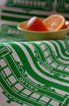 Tram -keittiöpyyhe // Tram -tea towel Design by Pisama Design Tea Towels, Lime, Fruit, Gifts, Gift Ideas, Food, Design, Dish Towels, Lima