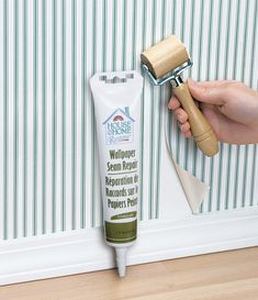 60 Home Repairs You Don't Need To Call The Pros For Source by camloveland. Wallpapering Tips, Squeaky Floors, Leaky Faucet, Home Fix, Diy Home Repair, Diy Network, Home Repairs, Useful Life Hacks