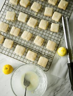 Today I thought it would be fun to add yuzukosho to my shortbread cookies. It's my favorite bright and savory flavor, usually found in sushi.