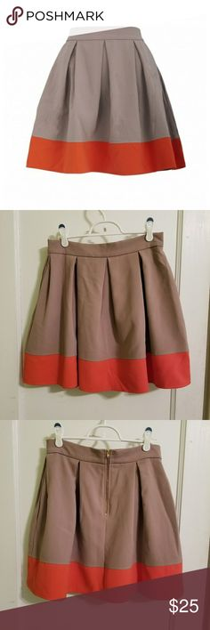 👗NEW👗Closet London Skirt, POCKETS😍 UK12/US8 I love Closet London so much! They make my favorite sleeveless dresses from the same material as this skirt. Alas, my closet (LOL) overflows and this has to go.☹  Camel and orange skirt with gentle box pleats and POCKETS😍! Back zip. Comfortable wider waistband. Excellent condition; no flaws. 64%polyester, 31%viscose, 5%elastane; has tiny bit of give. Size UK12 = approx US 8. Wash on gentle & hang dry.  No longer available on Closet site! Hard…