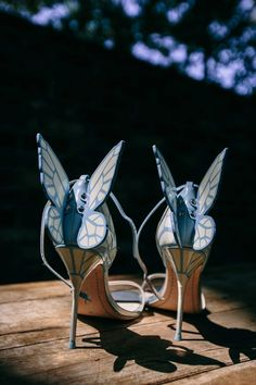The bride's light blue high heels featured butterfly wings with patterns off of the back. Bling Wedding, Mod Wedding, Wedding Shoes, Summer Wedding, Wedding Day, 2016 Wedding Trends, Blue High Heels, Photo Blue, Bride Look