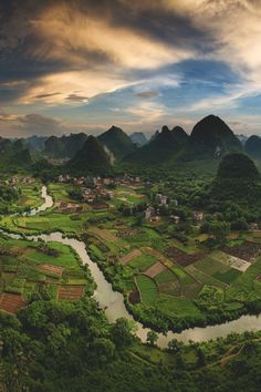Guilin, China | Marcelo Castro Prompt: describe this scene