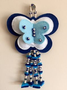 This Pin was discovered by Şük Felt Crafts Diy, Felted Wool Crafts, Wire Crafts, Diy Crafts For Kids, Arts And Crafts, Elephant Wall Decor, Wall Ornaments, Felt Baby, Felt Decorations