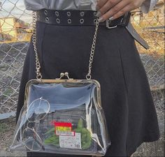 How girls wear clear bags in Look Fashion, Fashion Bags, Womens Fashion, Fashion Design, Fashion Ideas, Transparent Bag, Clear Bags, Korean Fashion Trends, Girls Wear
