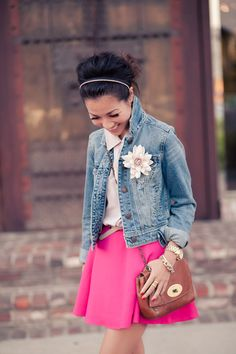 White top, denim jacket and hot pink skirt (I also have hot pink jeans that would look great too) Love this! Ysl, Mulberry Lily, Mulberry Handbag, How To Wear Denim Jacket, Hot Pink Skirt, Mundo Fashion, Chloe, Wendy's Lookbook, Raining Men
