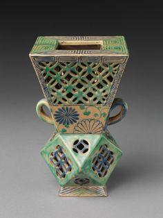 Kutani Pottery Dark Blue Ground Cherry Blossams Rice Bowl From Japan Sk-1020