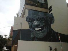 Grafite na Av. Mal. Deodoro, em Curitiba - Paraná:...