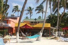 Playa de San Luis, Coco Plum hotel