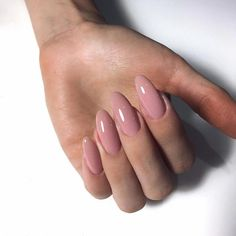 Semi-permanent varnish, false nails, patches: which manicure to choose? - My Nails Fake Gel Nails, Shellac Nails, Acrylic Nails, Minimalist Nails, Minx Nails, Nude Nails, French Nails, Bright Nails, Dipped Nails