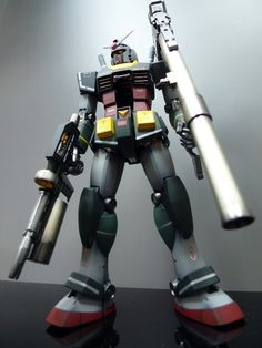 gunjap:  MG 1/100 RX-78 Gundam [Ver.2.0] Real Type Color modeled by Stormtrooper. Photoreview Large Imageshttp://www.gunjap.net/site/?p=116056