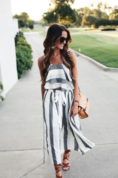 How cute and fun is this breezy and striped two-piece set for summer? Perfect for date night with your man, girls night, baby shower, or anything! We love outfits that are this versatile! Looks Street Style, Looks Style, Spring Summer Fashion, Spring Outfits, Spring Clothes, Spring Wear, Spring Style, Summer Outfits Women 20s, Outfit Summer