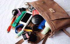 W czeluściach damskiej torebki