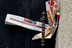 Always remember to remove flyers from your doorstep. | 21 Cheap And Effective Tricks To Keep Your Home Safe