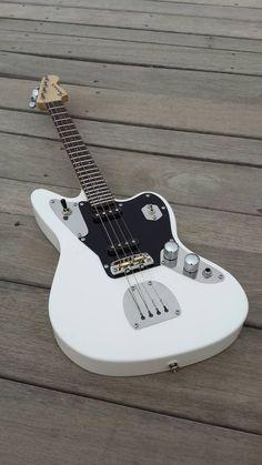 Jagulele. Electric ukulele by Fanner Guitar Works