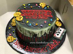 Stranger things birthday cake - New Ideas Stranger Things Halloween, Cast Stranger Things, 14th Birthday Cakes, 11th Birthday, Diy Birthday, Kreative Desserts, Savoury Cake, Sweet 16, Amazing Cakes